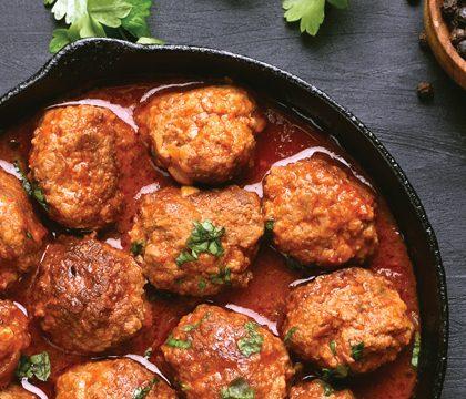 hmf foodservice channels restaurants meatballs in pan